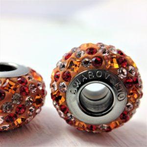 Charm Mosaïque métal rhodié pavé de cristaux Swarovski orange et rouge