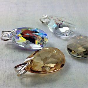 Pendentif Amande 28 mm en perle de cristal Swarovski sur attache en argent 925