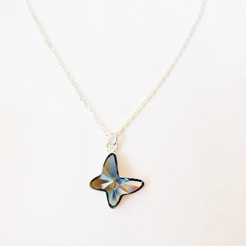 Pendentif Papillon en cristal Swarovski bleu jeans et chaîne argent