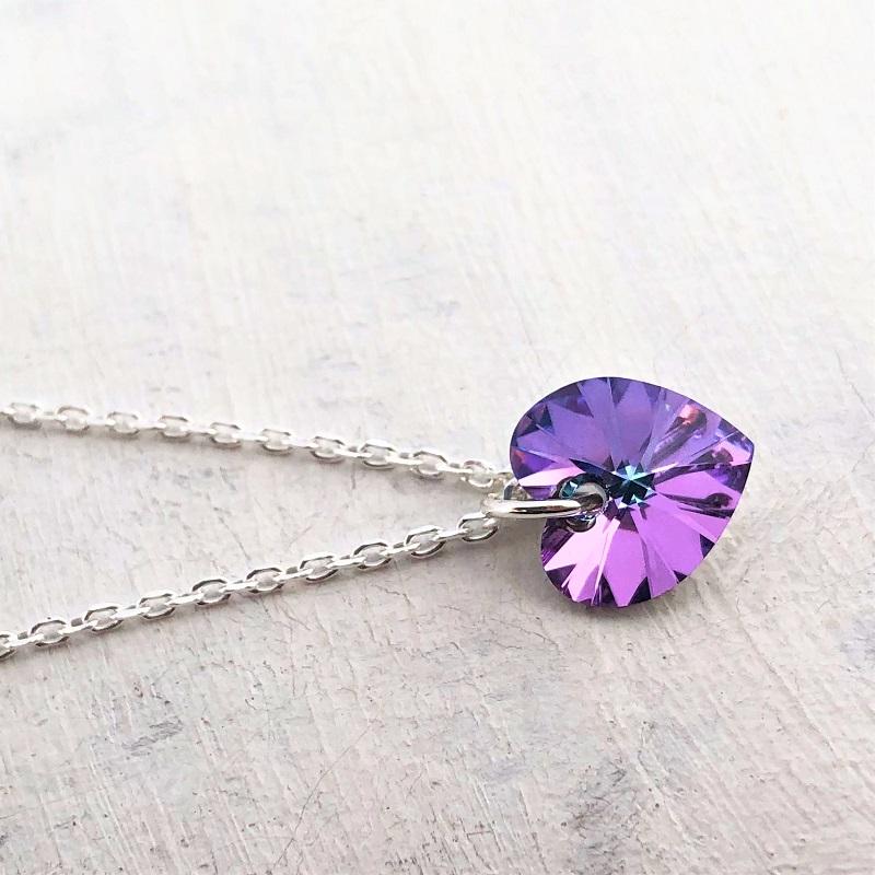 Pendentif Petit Coeur 10 mm sur chaine argent violet Vitrail Light
