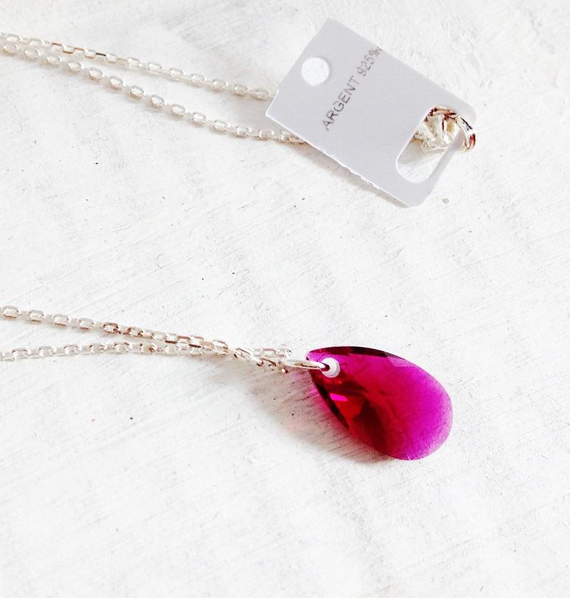 Pendentif Petite Amande rouge Ruby en cristal Swarovski et chaîne argent