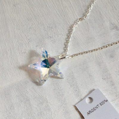 Pendentif Etoile Aurore Boreale en cristal Swarovski monté sur une chaîne en argent