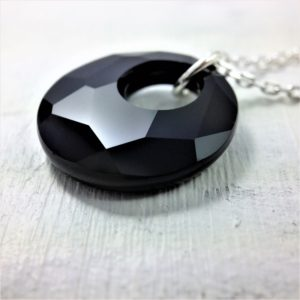 Pendentif Victory perle de cristal Swarovski 18mm sur chaîne en argent 925 Jet noir pour homme