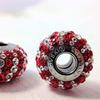 Charm Zébré métal rhodié pavé de cristaux Swarovski rouge Light Siam et blanc