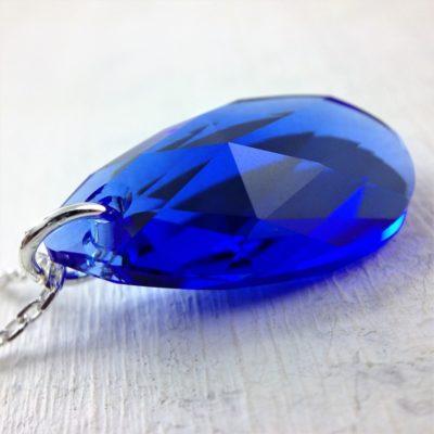 Pendentif Amande en cristal Swarovski sur chaînette en argent 925 bleu Majestic Blue