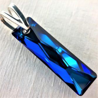 Pendentif Queen cristal Swarovski 25mm bleu Bermuda Blue bélière argent