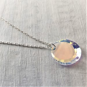 Pendentif Rond en cristal Swarovski Aurore Boreale sur chainette argent