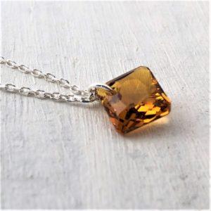 Collier Princess cristal Swarovski Topaz sur chaine argent