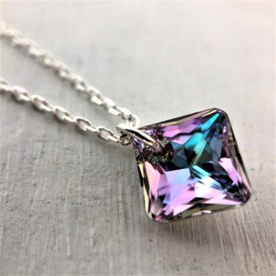 Pendentif carré Princesse cristal Swarovski Vitrail Light sur chaine argent