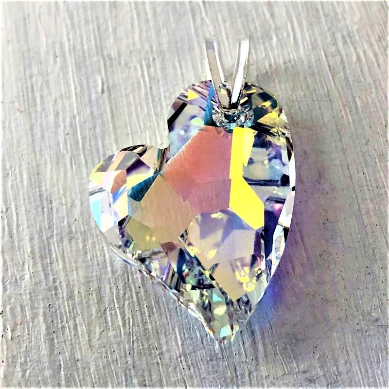 Pendentif Coeur Asymétrique cristal Swarovski 27mm Aurore Boreale sur bélière argent