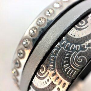 Bracelet cuir manchette 3 rangs cristal Swarovski argent gris fermoir aimanté motif martelé