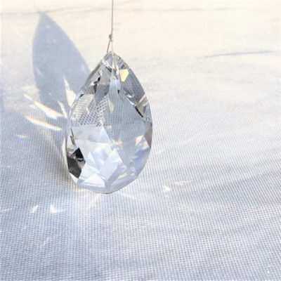 Bijou de fenêtre Goutte cristal Swarovski 50 mm prisme pampille
